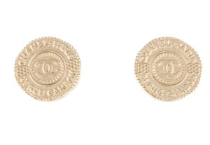 Chanel Gold-tone Chanel 31 Rue Cambon CC logo stud earrings