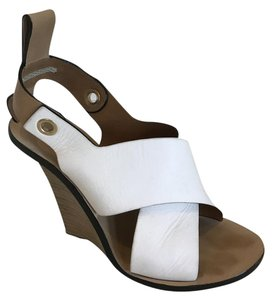 Chloé Grommet Two-tone Leather Chloe White Wedges
