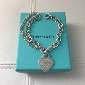 Tiffany & Co. Return to Tiffany & Co Double Chain Heart Tag Link 7