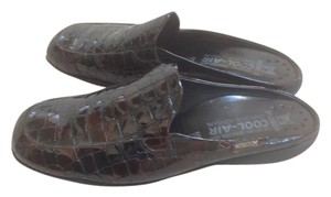Mephisto Leather Cool-air Chocolate Brown Croc Flats