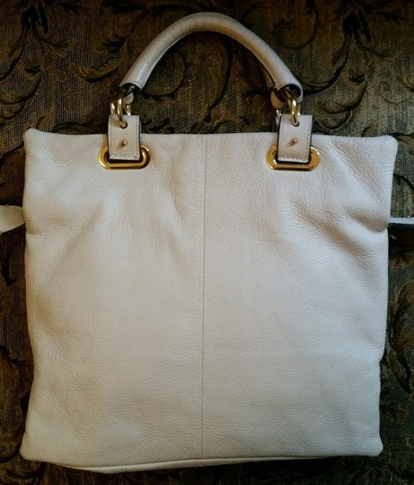 Vince Camuto Leather Crossbody Belfast Tote in White Image 4