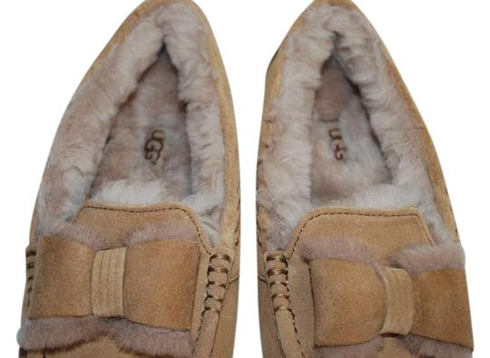 Preload https://img-static.tradesy.com/item/21146347/ugg-australia-chestnut-ansley-twinface-front-bow-moccasins-women-slippers-1013986-flats-size-us-6-re-0-1-540-540.jpg