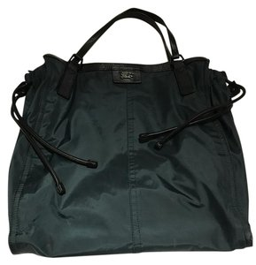 Burberry Nylon Beachbag Tote in Dark Green