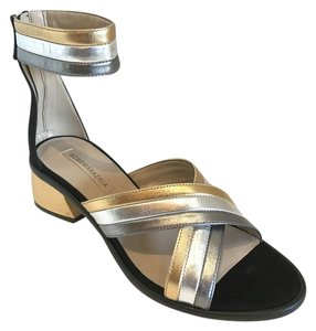 BCBGMAXAZRIA Bcbg Sanal Kitten Heel Metallic and black Sandals
