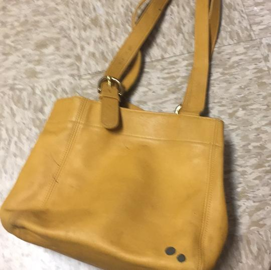 Coach Tote in mustard Image 1