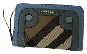 Burberry Grainy Leather Applique House Check zip around wallet