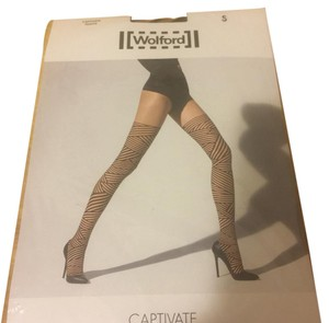 Wolford captivate tight in Sahara/black