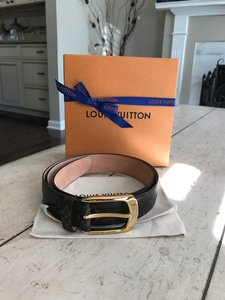 Louis Vuitton Sold out amazing condition! Ellipse Belt with box and dustbag!