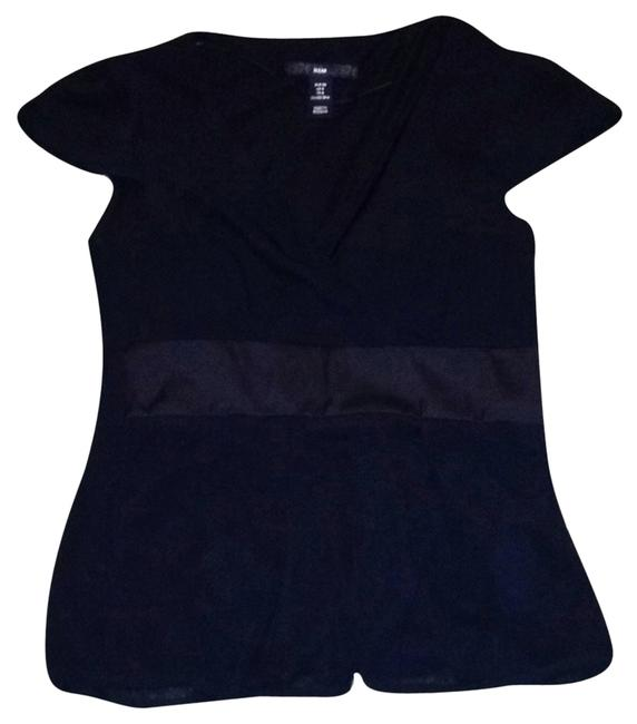 Preload https://item2.tradesy.com/images/h-and-m-polyester-top-black-2115121-0-0.jpg?width=400&height=650