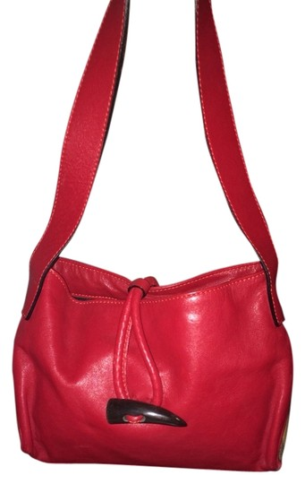 Preload https://item3.tradesy.com/images/burberry-red-leather-shoulder-bag-2115122-0-0.jpg?width=440&height=440