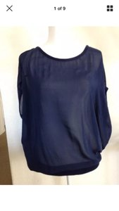 Vince Flowy Oversized Silk Cashmere Knit Top navy blue