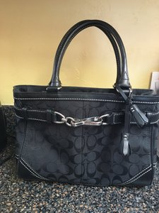 Coach Classic Leather Day Time Satchel in Black