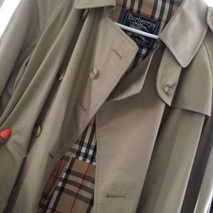 Burberry Size 10 Petite Trench Coat Trench Coat