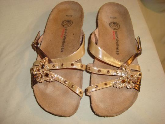 euro Wellness Patent Taupe/Gold Sandals