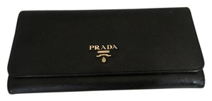 Prada PRADA 115317 $750 BLACK SAFFIANO LONG SNAP WALLET W/ZIP POCKET