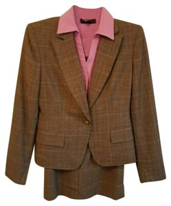 Jones New York Jones New York Tan Skirt Suit w/ Blouse