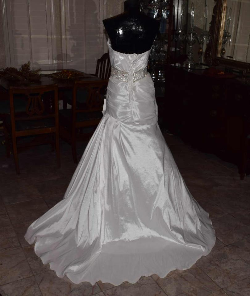 Riva designs ivory unknown wedding dress size 10 m tradesy for Size 10 wedding dress