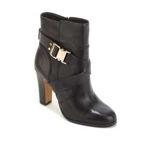 81f7ddb48ed Vince Camuto Boots - Up to 90% off at Tradesy