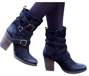 Steve Madden Strappy Buckle Leather black Boots