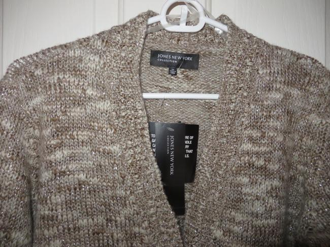 Jones New York Top Taupe, ivory, silver