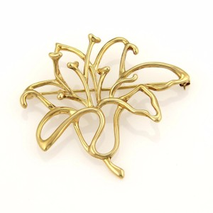 Tiffany & Co. Vintage 18k Yellow Gold Open Design Flower Brooch Pin