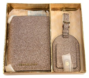 Michael Kors Michael Kors Rose Gold Glittered Leather Bifold Wallet Luggage Tag Set