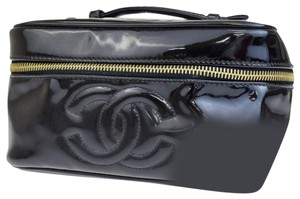 Chanel Chanel cc black patent cosmetic bag