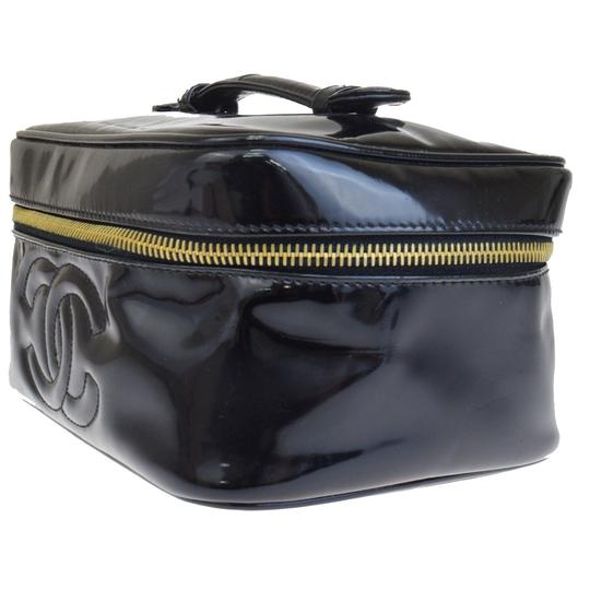 Chanel Chanel cc black patent cosmetic bag Image 6