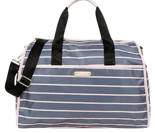 Preload https://img-static.tradesy.com/item/21156533/betsey-johnson-striped-nylon-grey-weekendtravel-bag-0-1-540-540.jpg