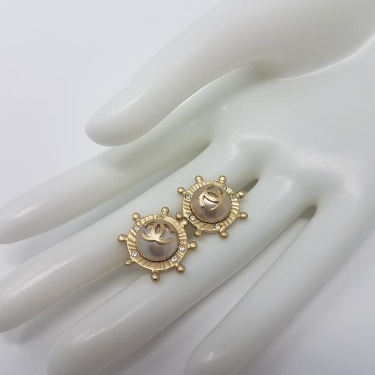 Chanel Gold-tone Chanel CC logo ship wheel stud earrings Image 6