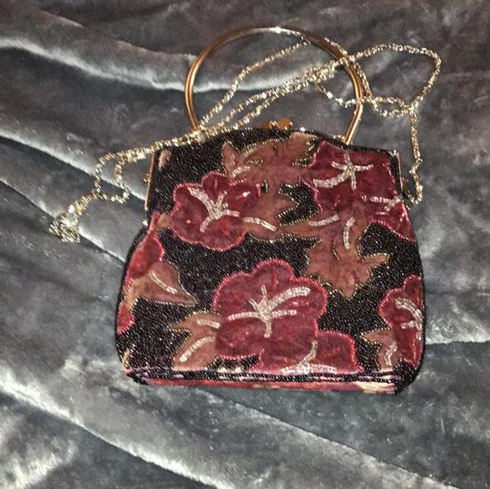 Other black with red flowers Clutch Image 6
