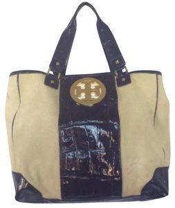 Tory Burch Tote in canvas