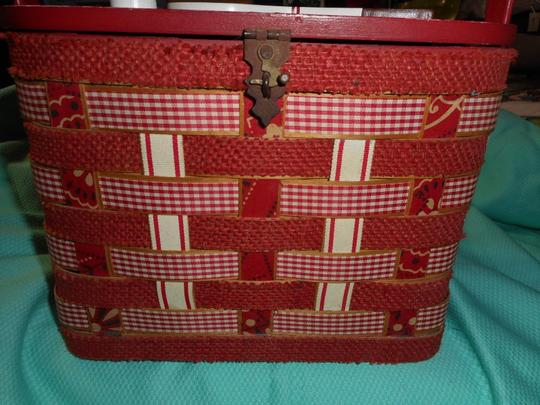 Other Vintage Woven Wood Hand Made Burlap Lined Basket Purse Tote in Red Image 2