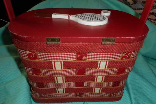 Other Vintage Woven Wood Hand Made Burlap Lined Basket Purse Tote in Red Image 4