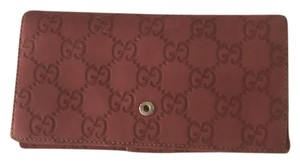Gucci gucci rose engraved wallet