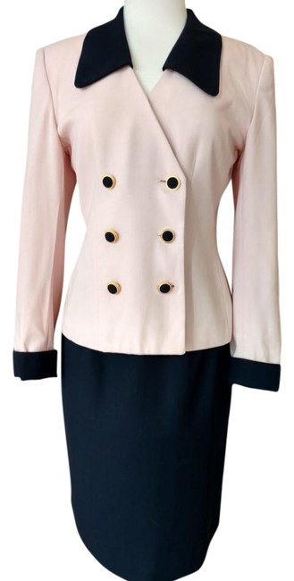 Preload https://img-static.tradesy.com/item/21157887/casual-corner-pink-navy-trim-and-skirt-suit-size-12-l-0-1-650-650.jpg