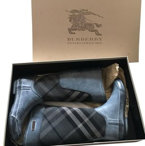 Burberry Navy Blue and Gray Boots