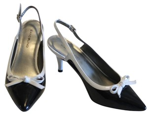Bandolino White Patent Heels Black Pumps