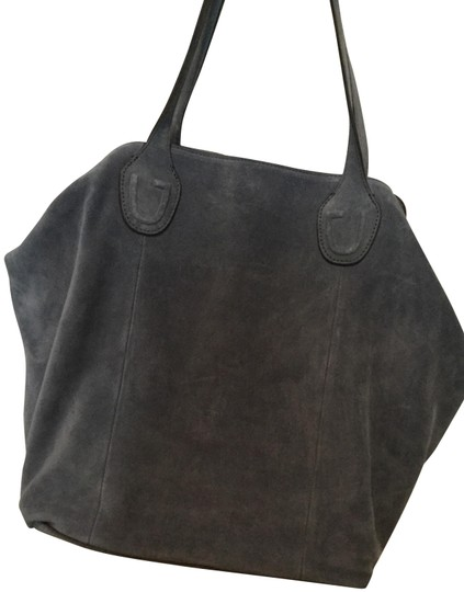 Preload https://img-static.tradesy.com/item/21158627/gili-soft-clip-blue-suede-leather-tote-0-3-540-540.jpg