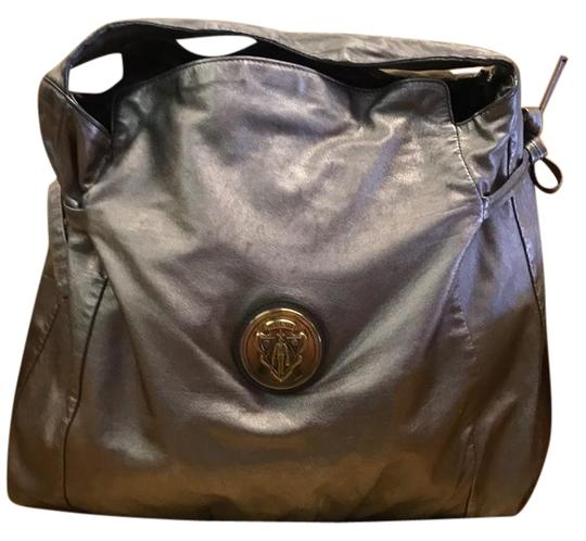 Preload https://img-static.tradesy.com/item/21159152/gucci-hysteria-top-handle-pewter-leather-hobo-bag-0-1-540-540.jpg