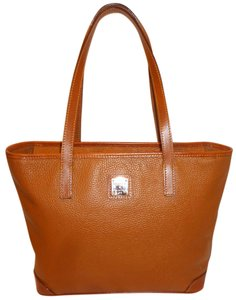 Dooney & Bourke Refurbished Extra-large Leather Tote in Spicy Mustard