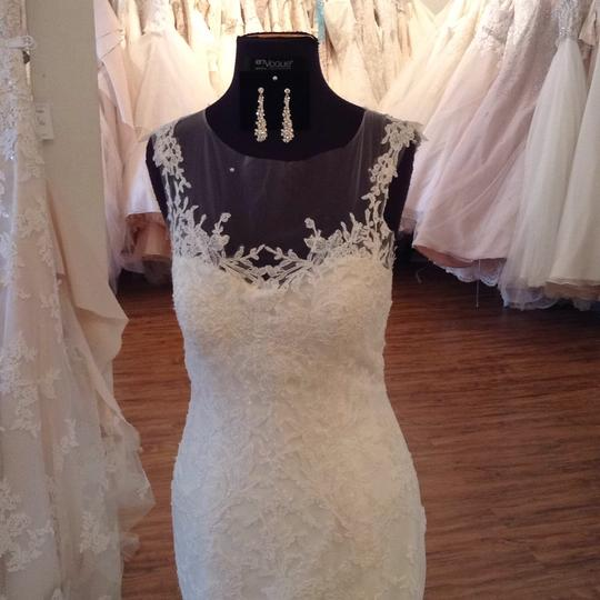 Maggie Sottero Ivory Lace 5mb657 Formal Wedding Dress Size 8 (M) Image 3