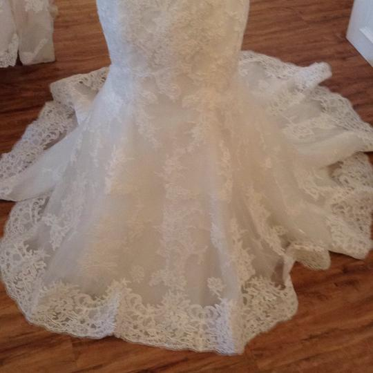 Maggie Sottero Ivory Lace 5mb657 Formal Wedding Dress Size 8 (M) Image 5