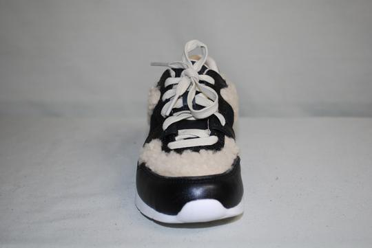 UGG Australia Leather/Wool Exposed Fur Molded Pu Insole Treadlite Sole Lace Up Black Flats Image 3