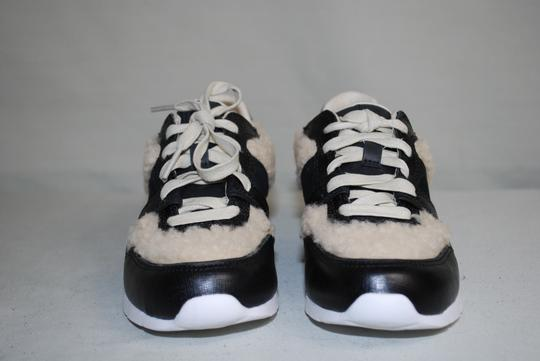 UGG Australia Leather/Wool Exposed Fur Molded Pu Insole Treadlite Sole Lace Up Black Flats Image 4