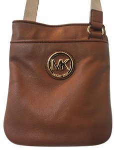 Michael Kors Leather Logo Gold Woven Strap Pockets Cross Body Bag