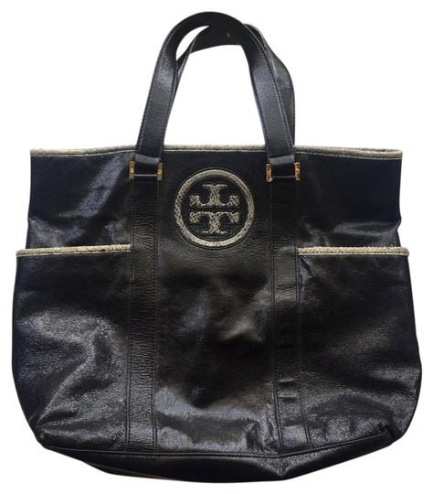 Preload https://item2.tradesy.com/images/tory-burch-classic-black-leather-tote-21161056-0-1.jpg?width=440&height=440