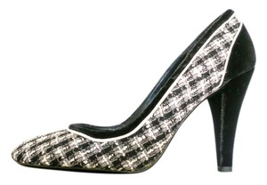 Chanel Vintage Classic Tweed Velvet Black and White Pumps