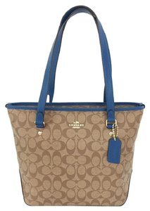Coach Zip Designer Tote in Khaki/ Bright Mineral
