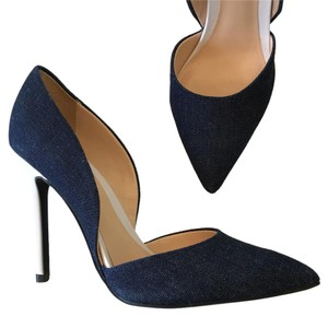 Guess navy blue white Pumps